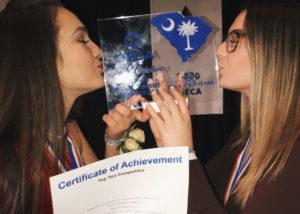 Laia, alumna ICES, ganadora DECA.