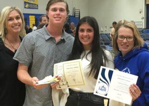 Ainhoa recibe el principal honores roll por sus buenas notas
