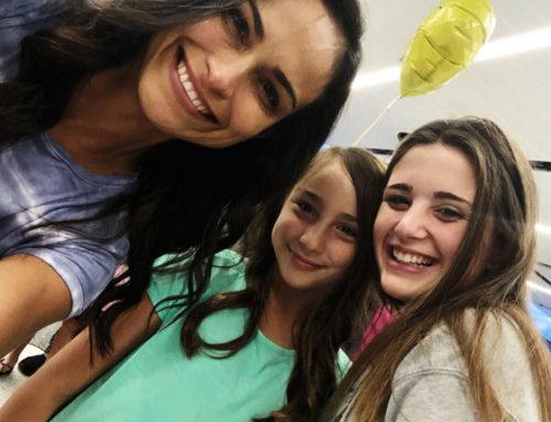 Emma con su host mum y su host sister.