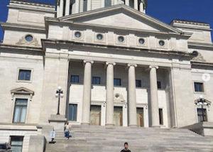 Manuel, estudiante ICES en Arkansas visita el Capitolio