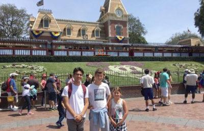 Verano en Estados Unidos, Jakes en Disneyland