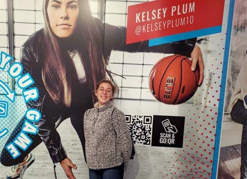 Sonia, estudiante de año escolar en USA y jugadora de baloncesto