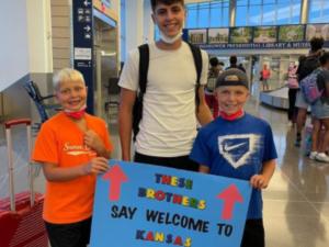 Bienvenida de Manuel en Kansas