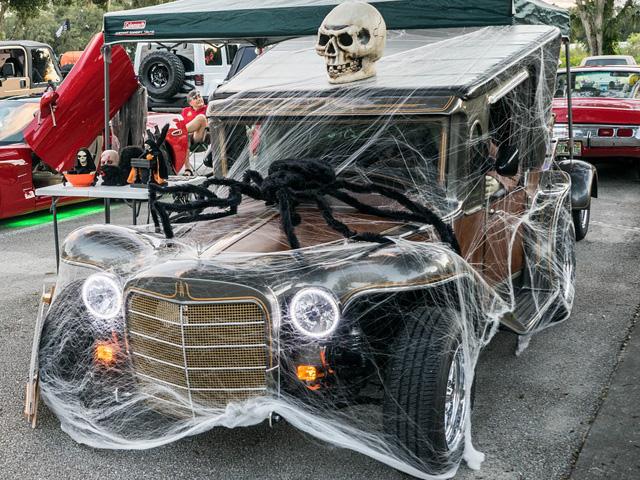 Decoración de coche en Halloween
