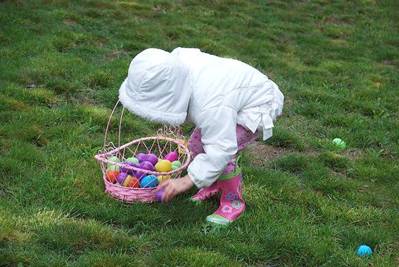 Pascua en Estados Unidos. Easter egg hunt